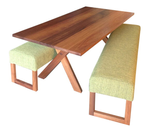 HawkerBwoodXpedwithbenches